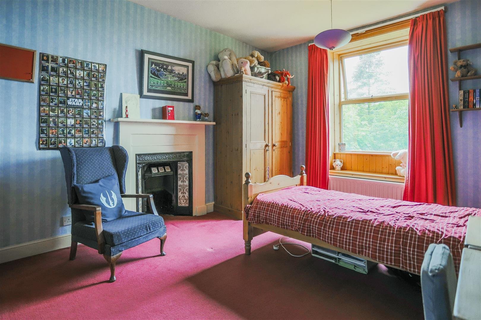 6 Bedroom Detached House For Sale - 20.JPG